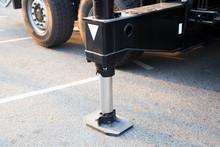 Hydraulics Crane Support. Hydr...