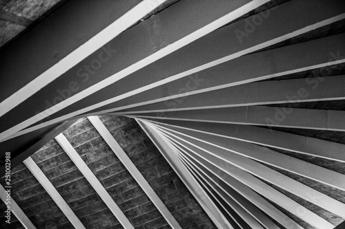 Photo Abstract pattern in roof beams