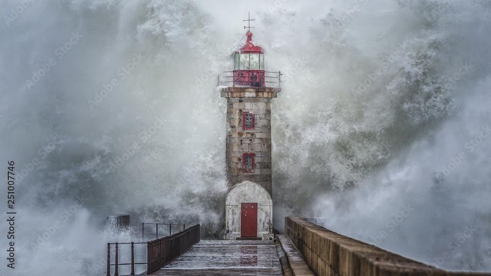 Fototapety, obrazy: Lighthouse never broke