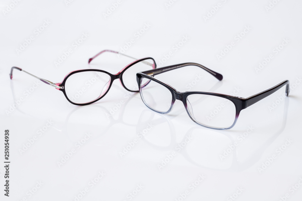 Fotografía Stylish glasses for women with monofocal lenses