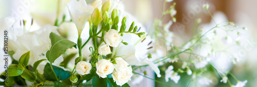 Fotomural Bouquet of white flowers closeup