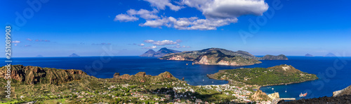 Blick von Vulcano auf die anderen Liparischen Inseln Wallpaper Mural