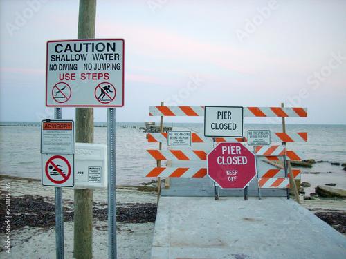 Papiers peints Route 66 Pier Closed Key West - Florida