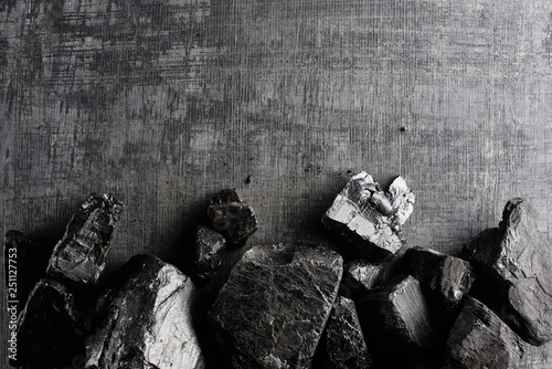 Fotografía Natural coal on a black background isolated closeup
