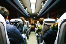 [日本] 夜のバス車内 (N...