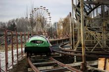 Abandoned Amusement Park. Ferr...