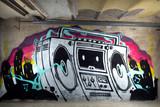 Fototapeta Młodzieżowe - ghettoblaster graffiti on a wall