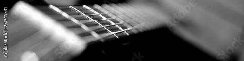 Photo  Griffbrett und Hals eines Hübschen Holz Gitarren Musikinstruments für Rockmusik