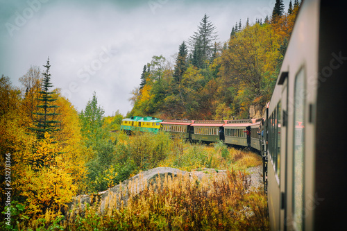 Fotografía  White Pass and Yukon route railroad train ride on old transport rails in Alaska, USA