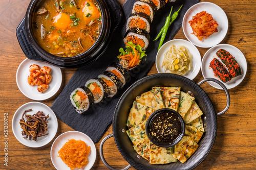 韓国料理 typical Korean gourmet Fototapete