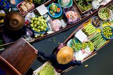 Tha Kha Floating Market In Tha...
