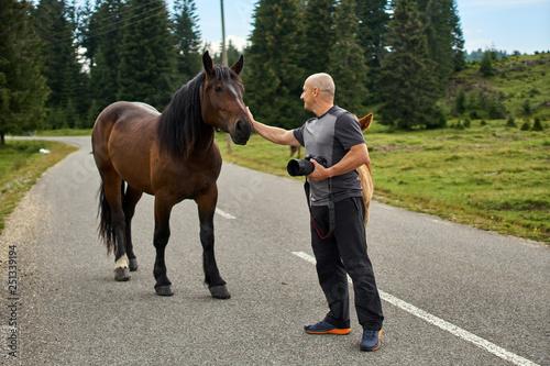 Fotografía  Man and horses