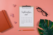 Flat Lay Calendar With Clipboa...