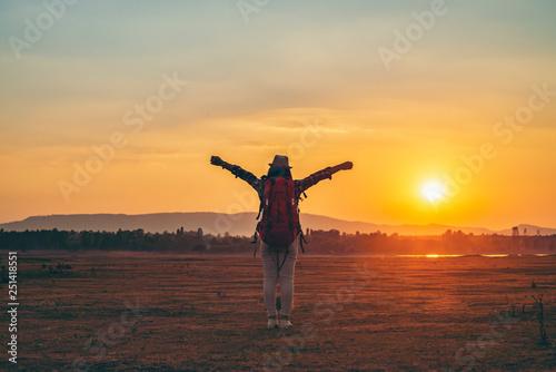 Foto auf AluDibond Schokobraun Tourist lifestyle In the sunset