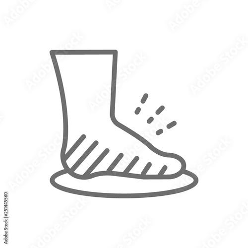 Fotografia Leg swelling, edema, obesity, fat foot line icon.