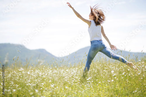 Stampa su Tela  Woman in nature