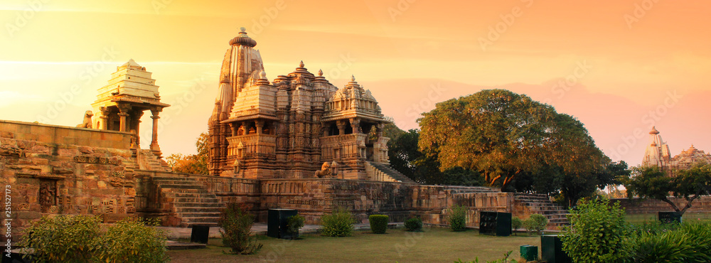 Fototapety, obrazy: Western Group of Temples at Khajuraho, Madhya Pradesh, India - A Unesco world heritage site