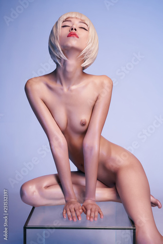 Foto op Canvas womenART portrait of beautiful nude woman with sexy body