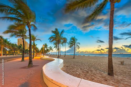Fototapeta Fort Lauderdale, Florida, USA beach and life guard tower at sunrise