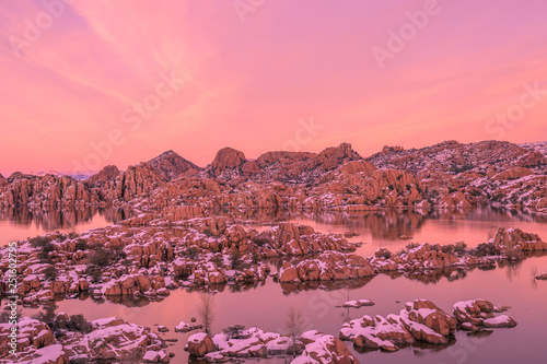 In de dag Candy roze Sunset at Watson Lake in Winter