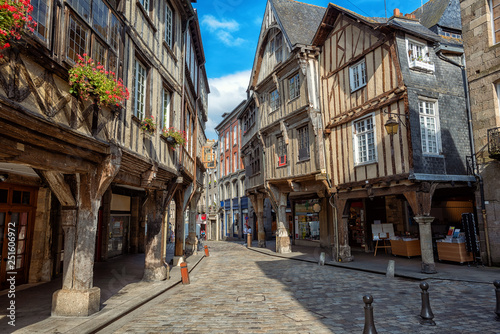 Dinan city, medieval houses in Old Town, Brittany, France Fototapet