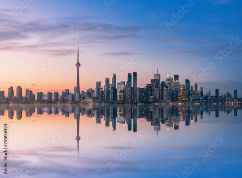 Tuinposter Toronto Toronto skyline at sunset