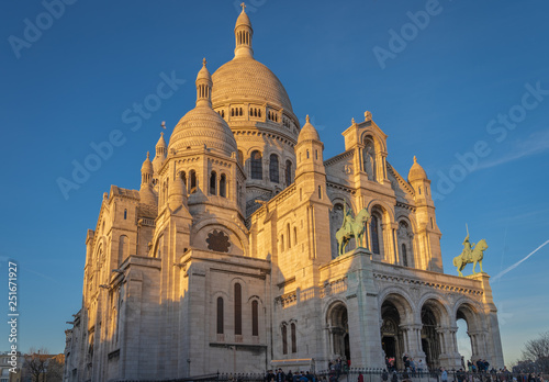 Fototapety, obrazy: Paris, France - 02 24 2019: Montmartre at sunset. View from sacred heart