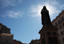 Statua Di Giordano Bruno, A Piazza Campo De Fiori, Roma