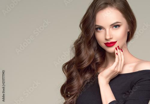 Fotografía Beautiful hair woman long brunette hairsstyle healthy skin