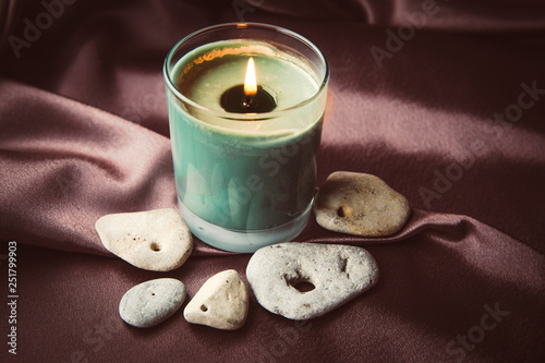 Fotografía  Sacred hag stones-natural stones with a natural hole through, believed to be sacred