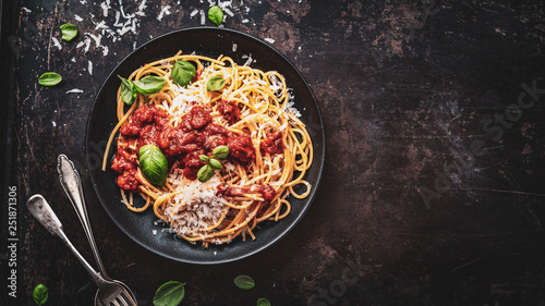 Fotografiet delicious appetizing classic spaghetti pasta with parmesan