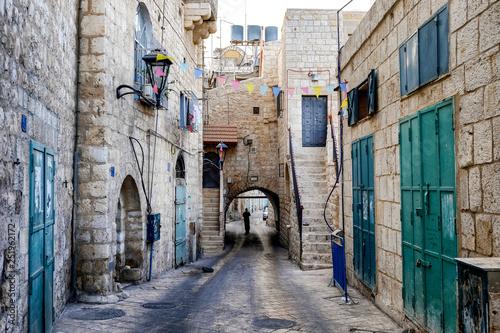 Fototapeten Schmale Gasse Street in Old City of BETHLEHEM, PALESTINIAN TERRITORIES. September 2015