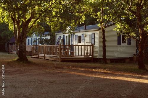 Obraz mobile home in a french forrset - fototapety do salonu