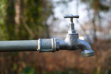Wasserhahn Im Garten