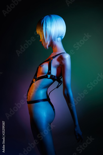 Foto op Canvas womenART Beautiful nude body of sensuality elegant lady. Sexy blonde in night club