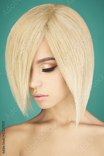 Foto op Canvas womenART Lovely asian woman with blonde short hair