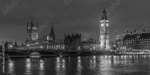 big ben and houses of parliament at night, black and white