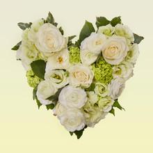 Heart Shaped Flower Arrangemen...