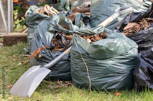 Garden waste Canvas-taulu