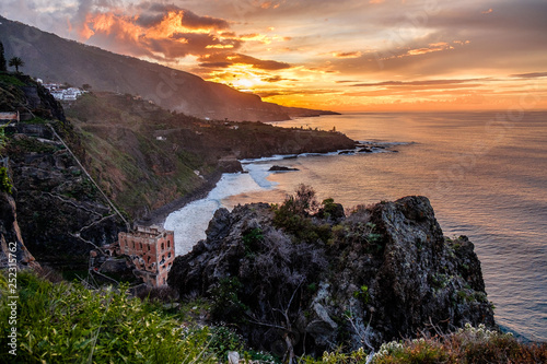 Spoed Foto op Canvas Canarische Eilanden Beautyful Tenerife north sunset