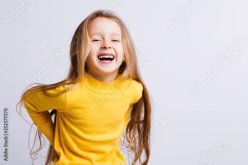Fotografiet  Cute girl 4-5 year old posing in studio