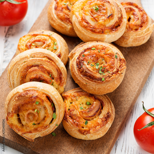 Rolls of puff pastry with bacon and cheese . Canvas-taulu