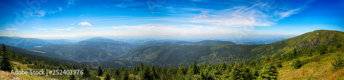 Fotografía  Amazing view of czech nature in Medvedin in Giant Mountains in Czech republic