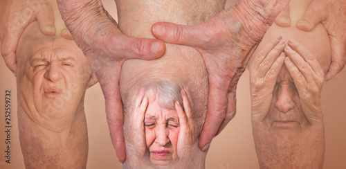 Fotografie, Tablou  Senior men holding the knee with pain