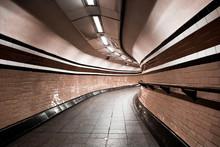 London Underground Tunnel, Curves. Nobody