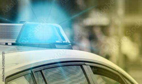Fotografía The blue light on a police vehicle