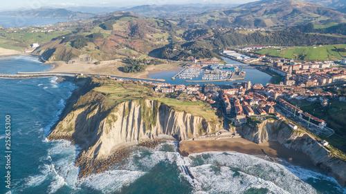 Fotografia aerial view of zumaia basque town, Spain