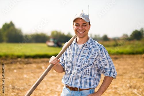 Pinturas sobre lienzo  Smiling farmer portrait
