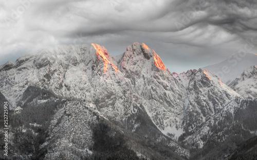 Foto auf Leinwand Rosa dunkel Zakopane in the Tatras