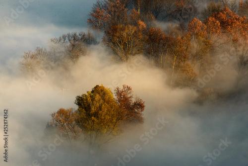 panoramiczny-widok-z-mgla